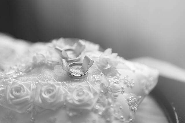 2 silberne Hochzeitsringe